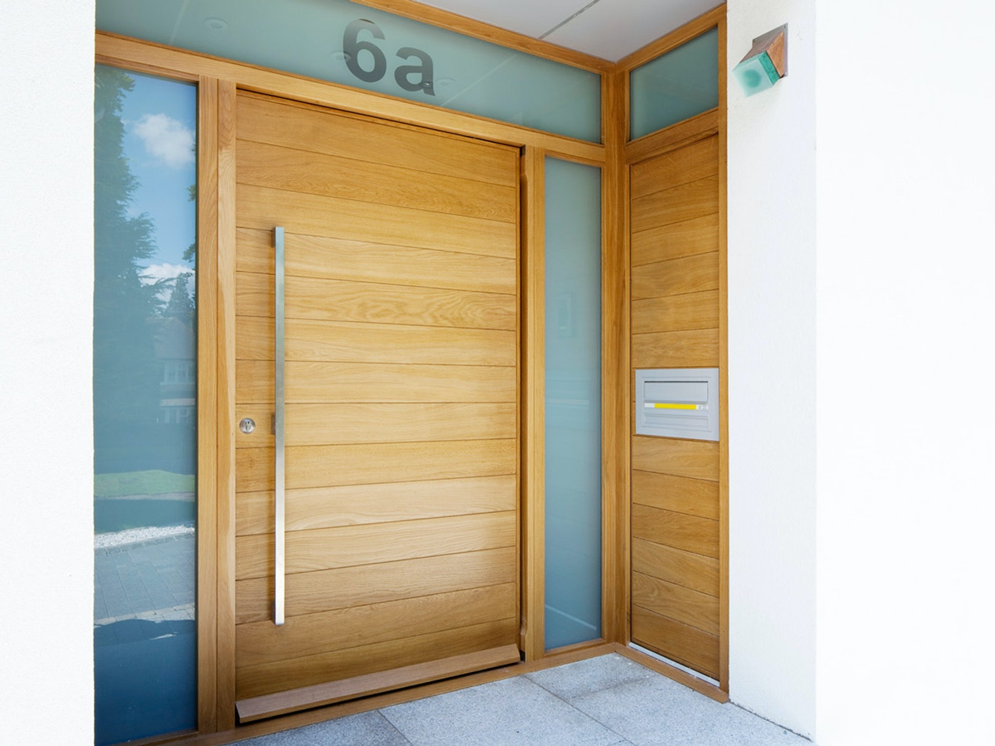 We can manufacture architectural glazing units in hardwood, but you may find it more cost effective to use aluminium framing