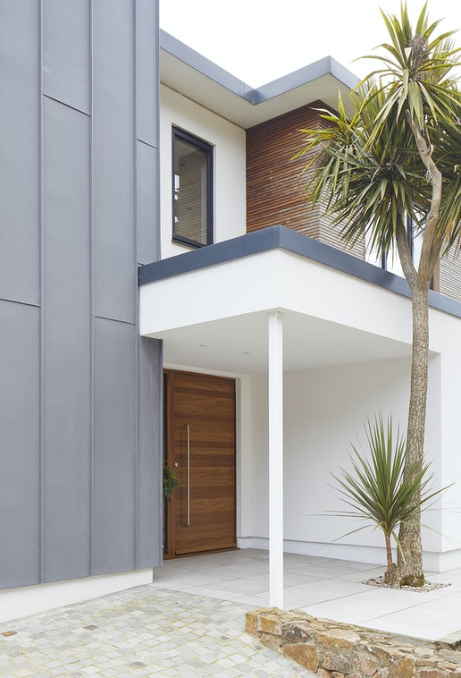 choosing front door for a rendered house