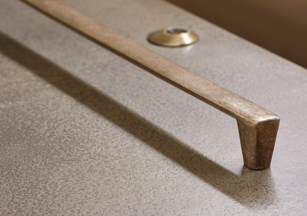 How to choose handles for your front door