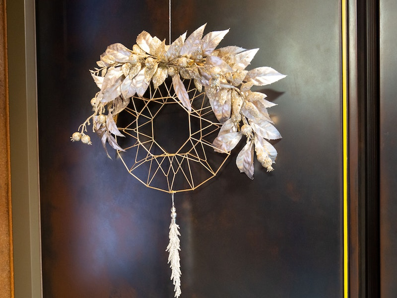 geometric metalic leaf wreath