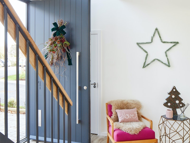 how to decorate your door at christmas mobile