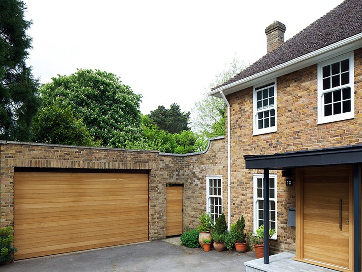 Matching front & garage doors positioned close together | Urban Front