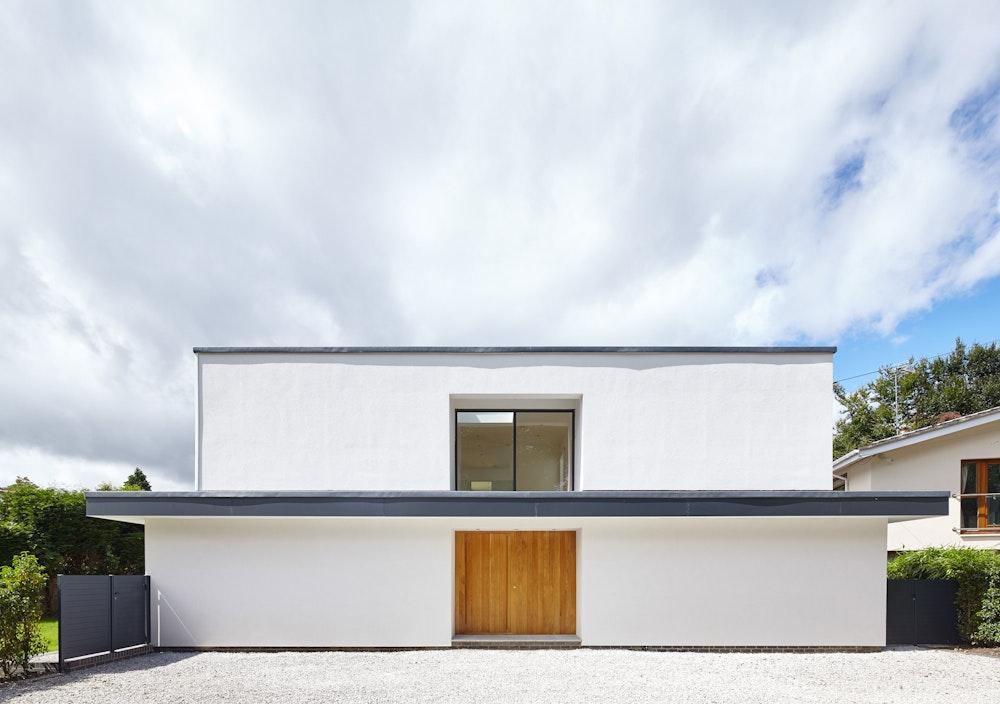 Doors in minimalist houses Urban Front thumbnail