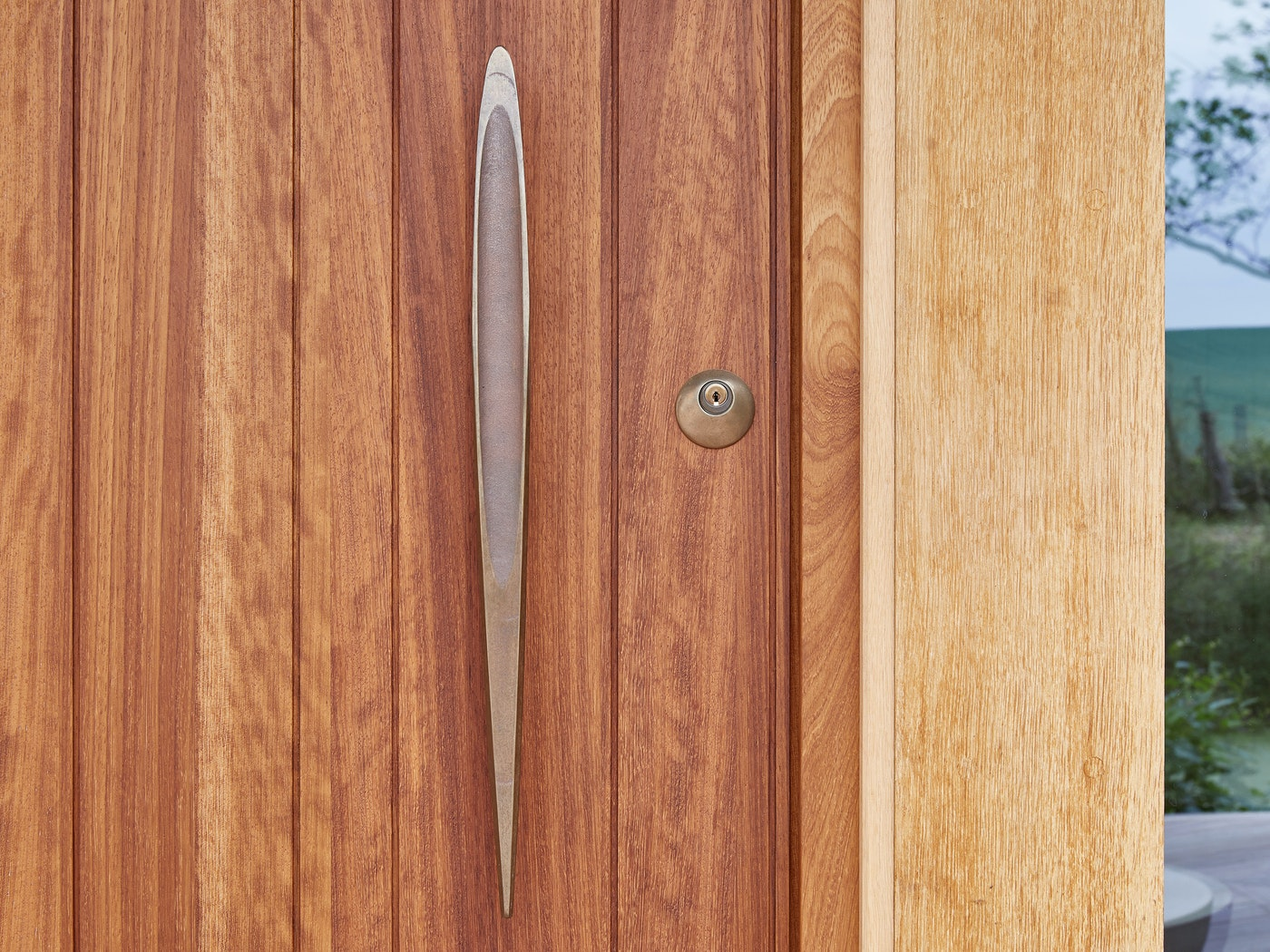 Our bronze pull handle finishes the look