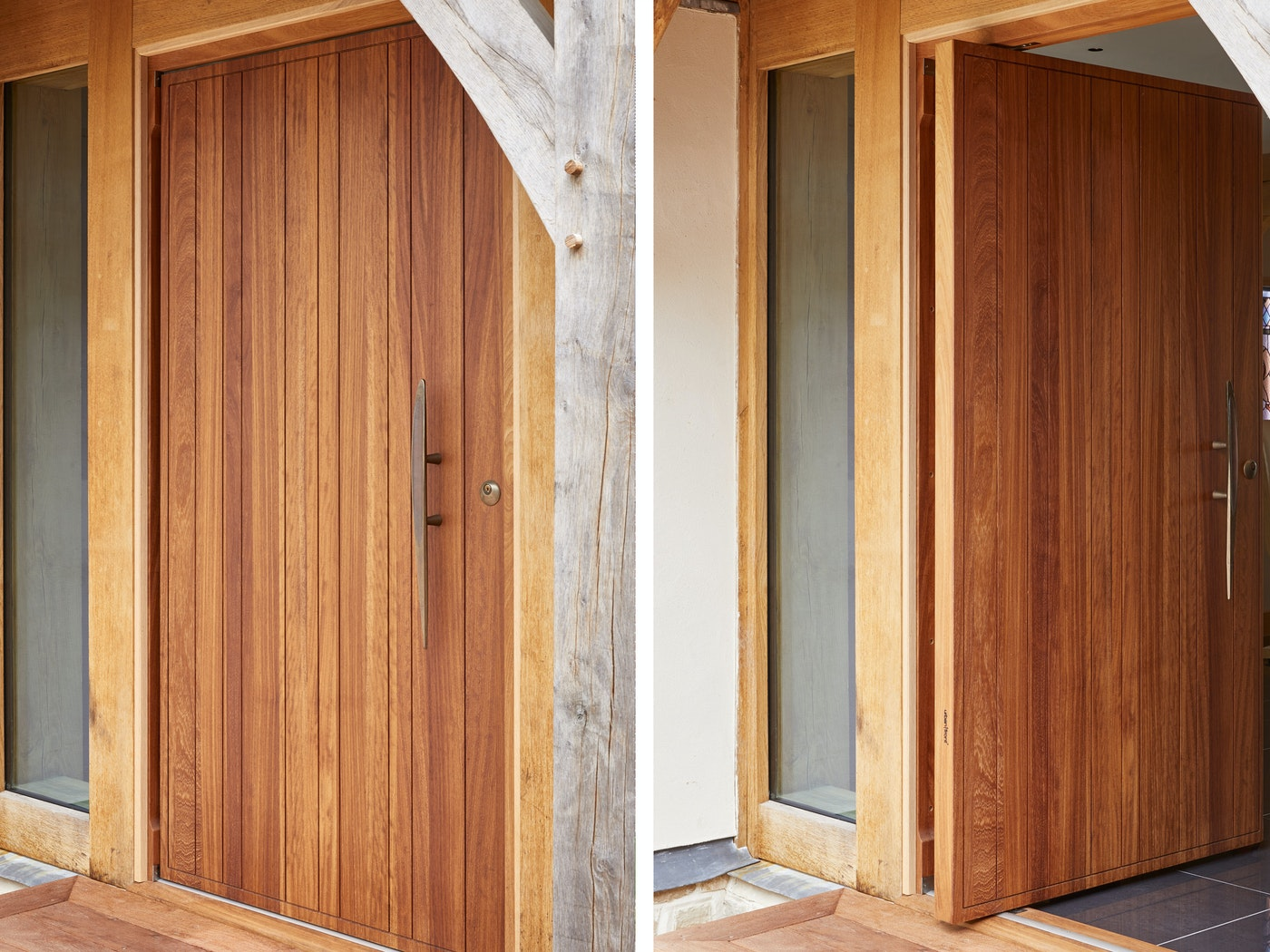 This Rondo V front door features a pivot opening