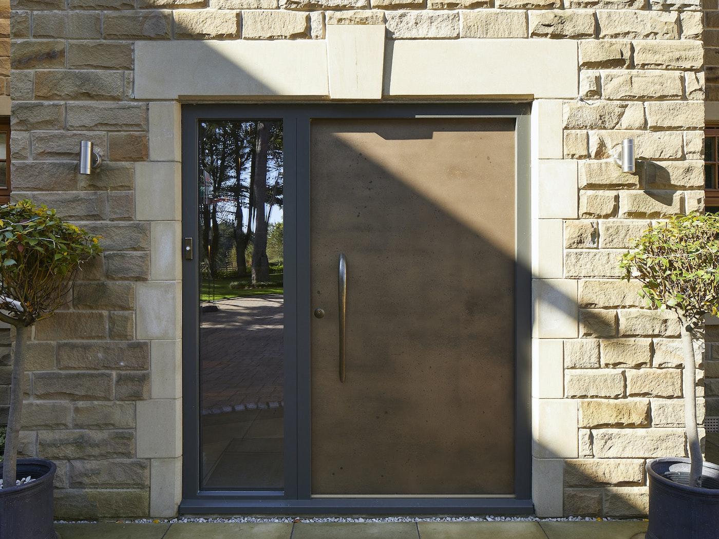 vintage bronze door ref111 with BZ4 handle