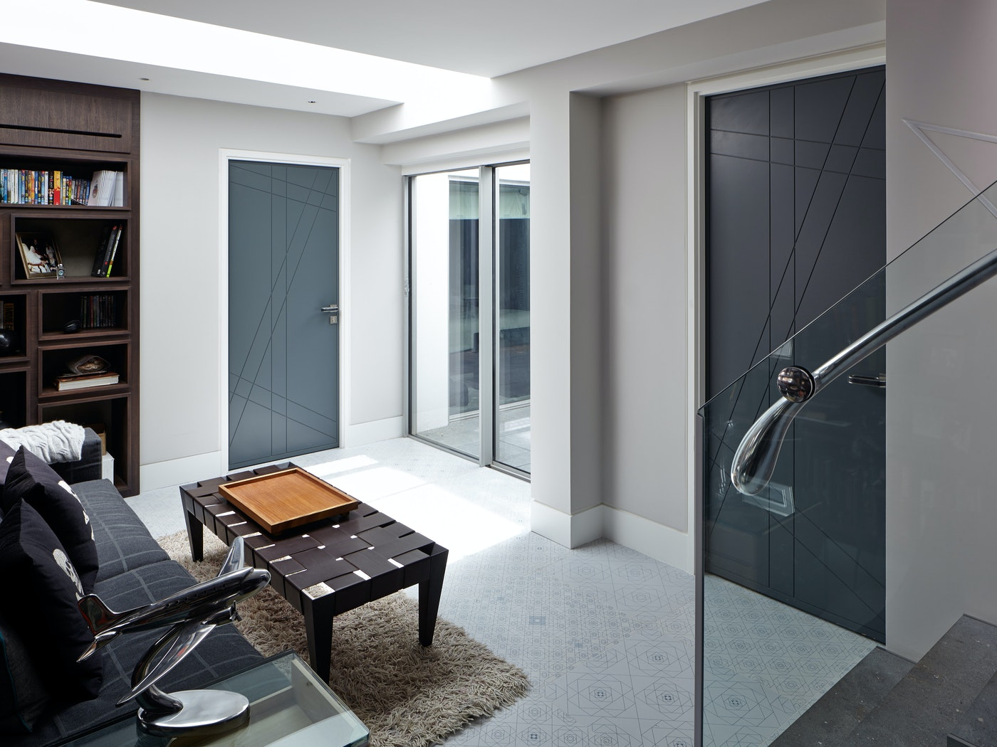 Root internal door | Grey painted | Urban Front