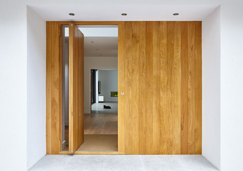 Pivot door | Open | Urban Front