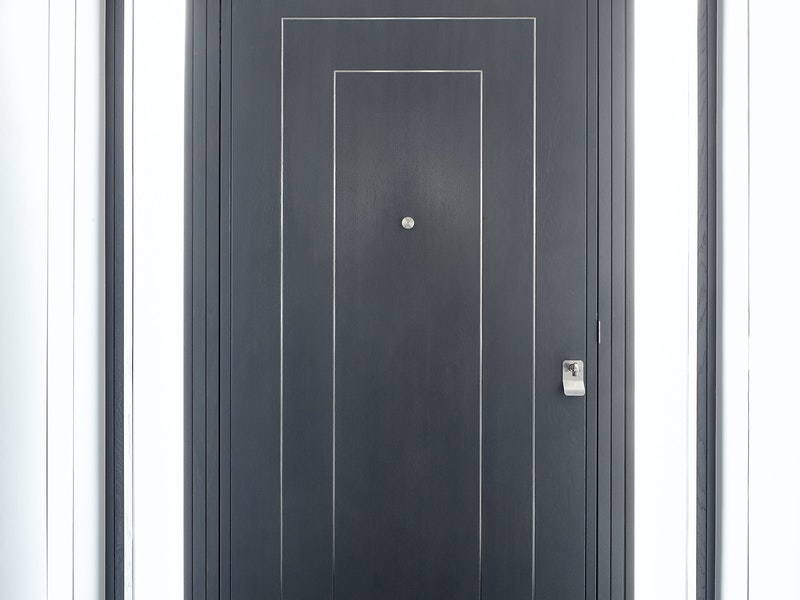 form V front door in grey