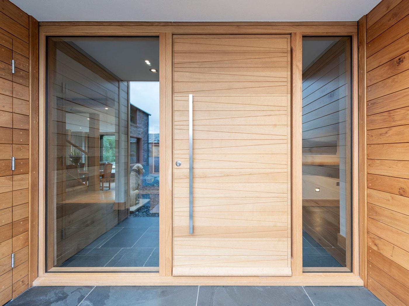 Oak wood   Sidelights (glass panels)   Milano front door