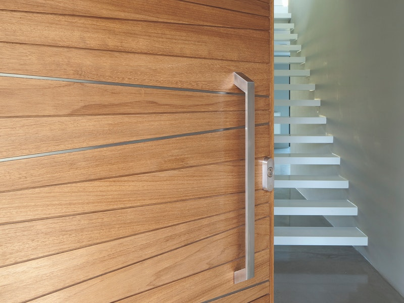 Oak wood | Stainless steel detail | Milano front door