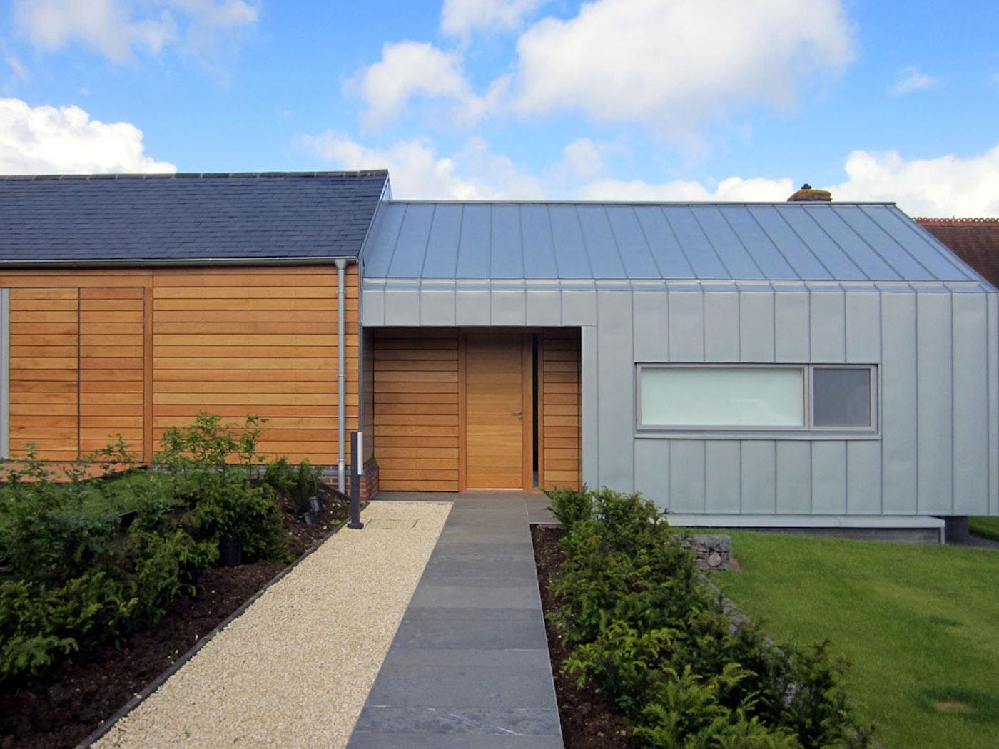 Oak wood | Matching side panels | Parma front door