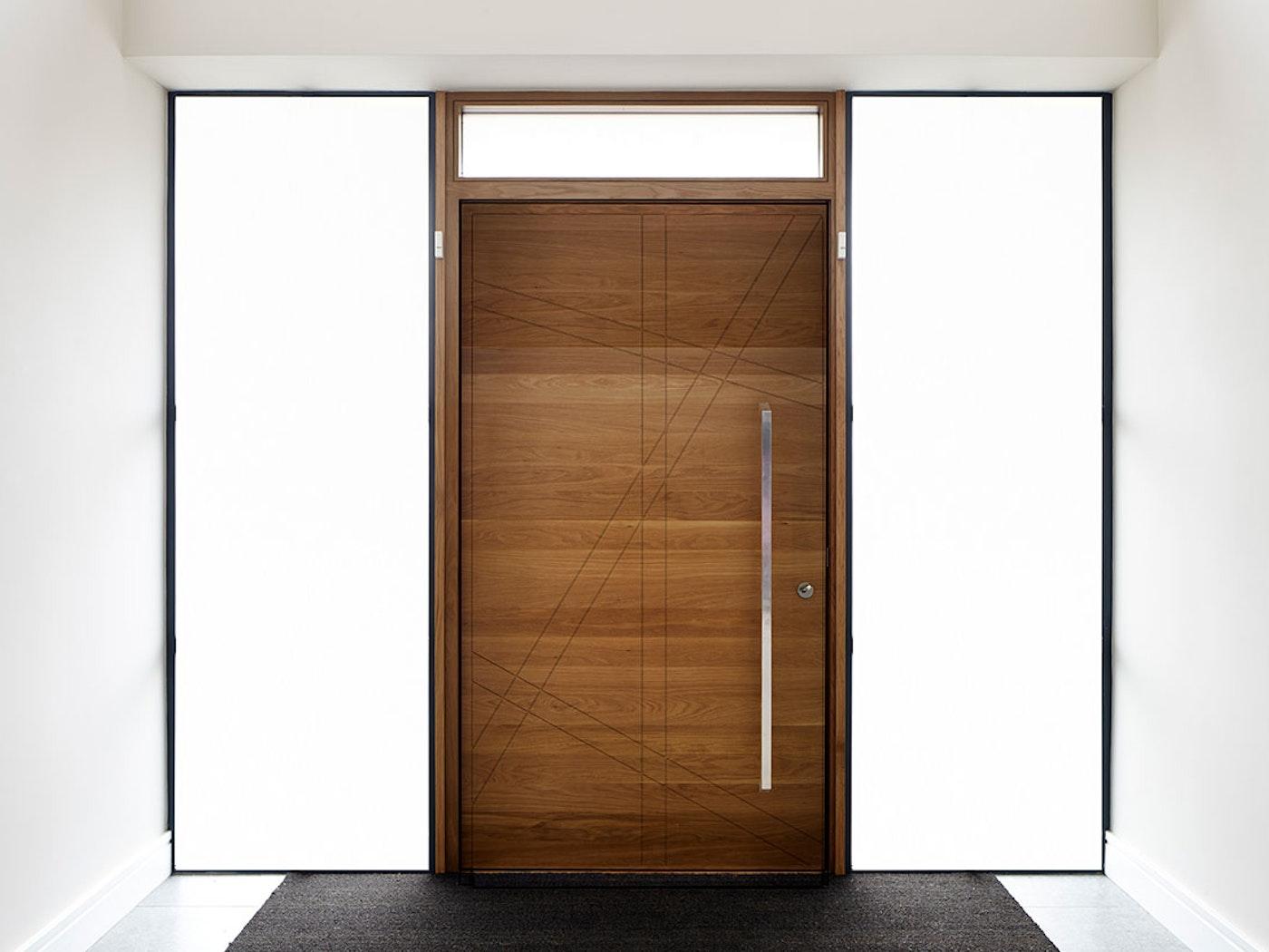 Natural hardwood | Root front door by Urban Front