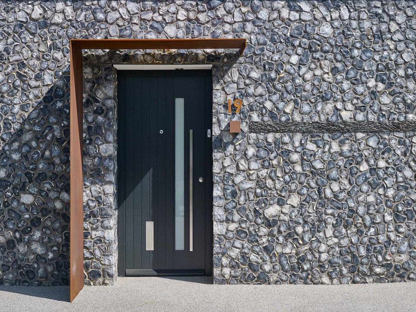 Terano front door | Vertical grooves | Urban Front