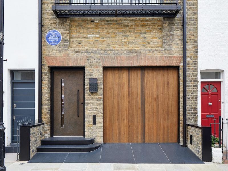 terano front door | bronze | black handle