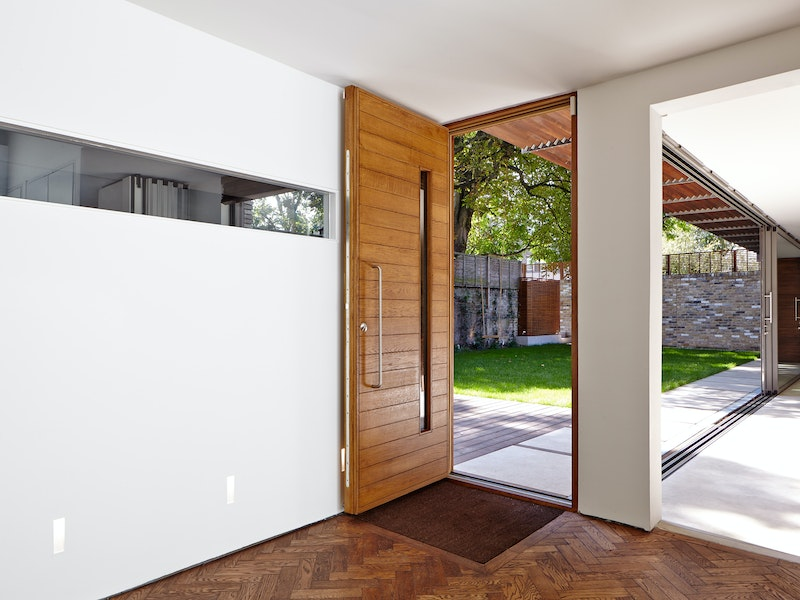 Doors in contemporary houses 21