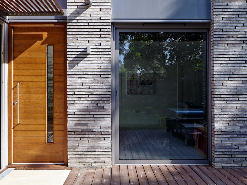 Doors in contemporary houses 23
