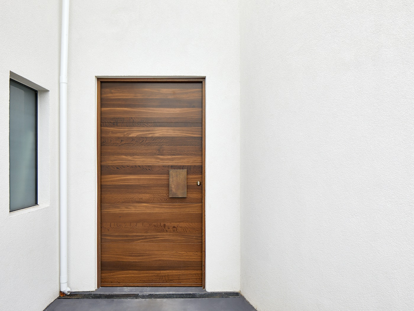 Single door configuration | Urban Front
